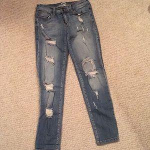 sneak peek boyfriend ripped jeans size 3